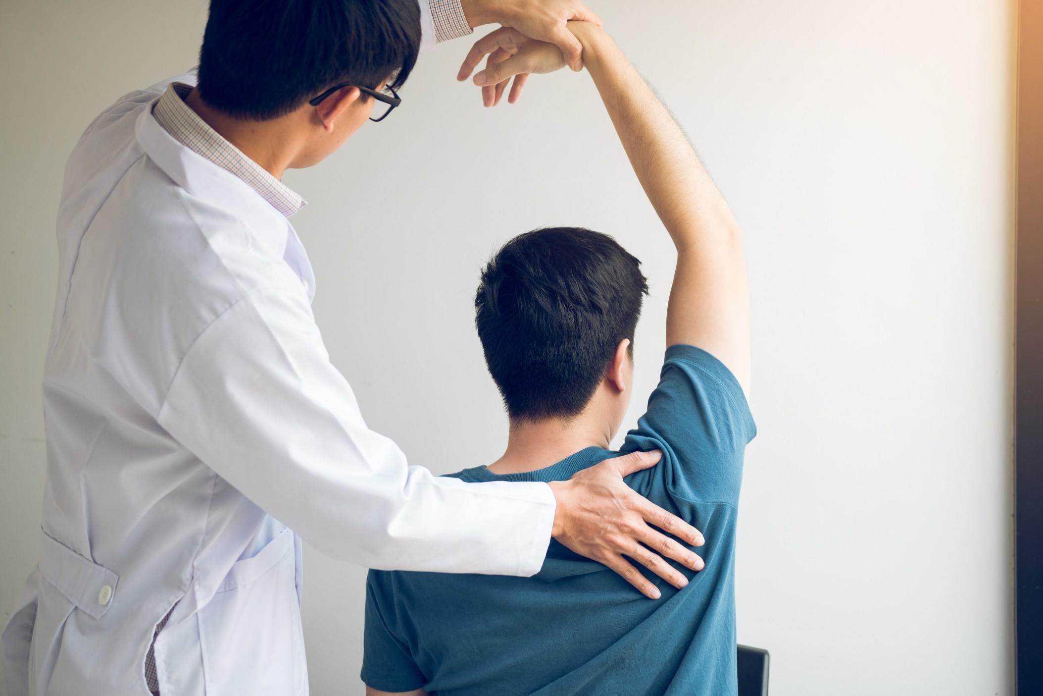 El insoportable dolor de hombros